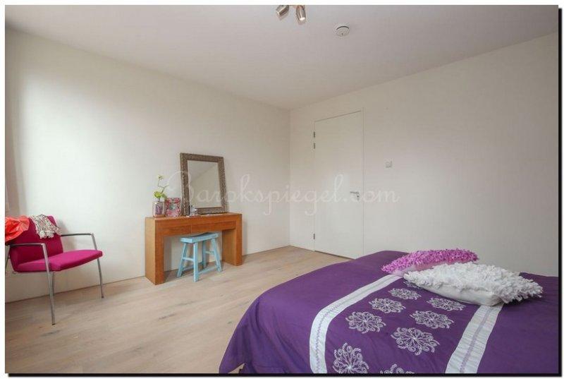 Moderne Witte Slaapkamer : Een spiegel voor de kaptafel in slaapkamer of hal barokspiegel