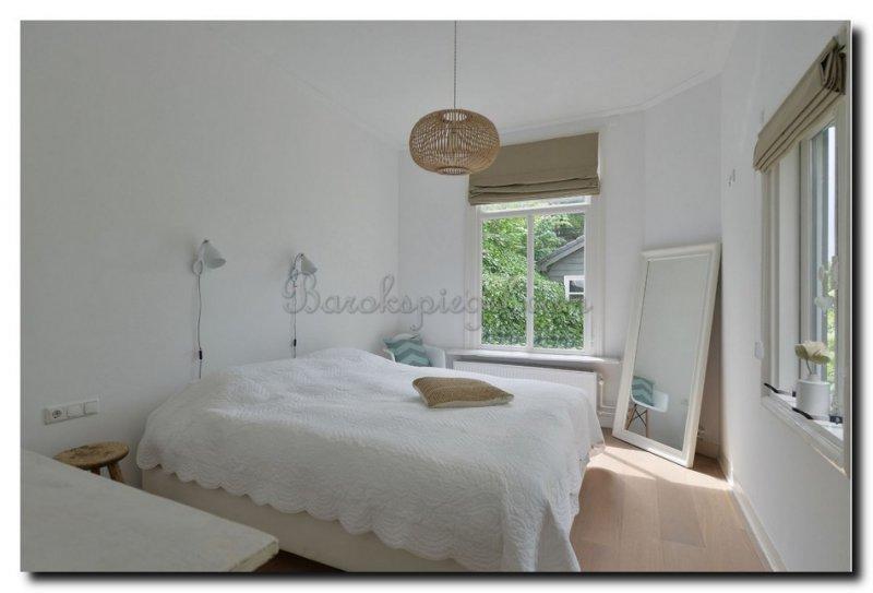 De Witte Slaapkamer : Een spiegel voor uw slaapkamer barokspiegel