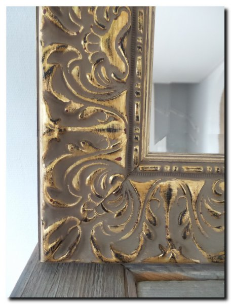 detail-kleur-burned-gold-goud-barok-spiegel-praque