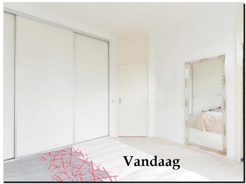 grote barok spiegel in slaapkamer zilveren lijst