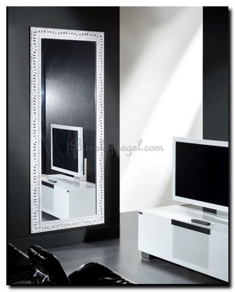 wat hang ik aan mijn muur 10 tips voor de juiste kleur spiegel barok of modern barokspiegelcom. Black Bedroom Furniture Sets. Home Design Ideas