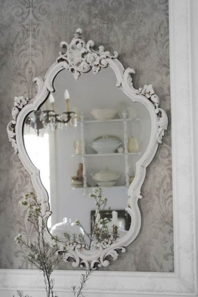 een spiegel voor een shabby chic interieur met idee n en advies barokspiegel. Black Bedroom Furniture Sets. Home Design Ideas