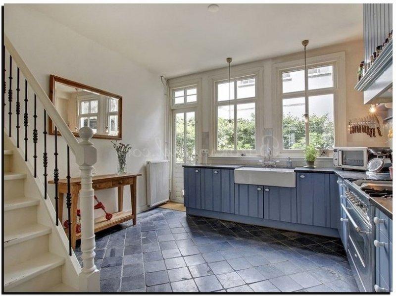 Een spiegel in de keuken met nieuwe decoratie tips en foto for Spiegel boven dressoir