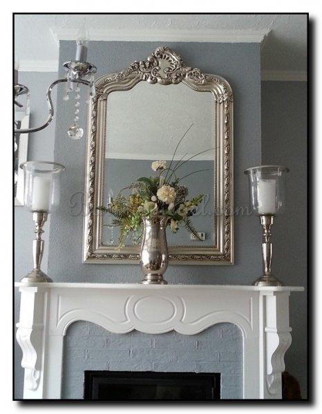 Grote Spiegel Met Kuif.Spiegels Boven Een Schouw Barokspiegel