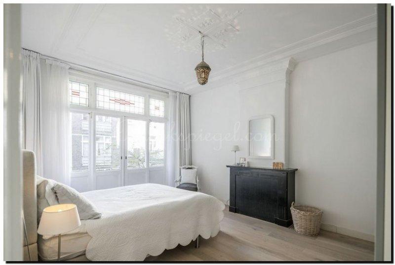 spiegel witte lijst in slaapkamer