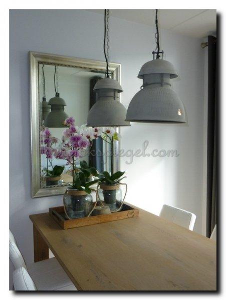 Klassieke spiegels in interieur - Woonkamer spiegel ...