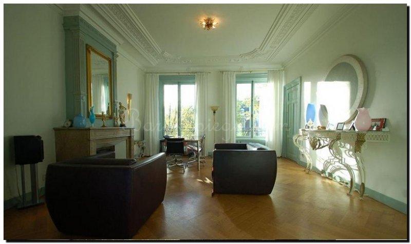 Grote spiegel basilio for Spiegel boven dressoir