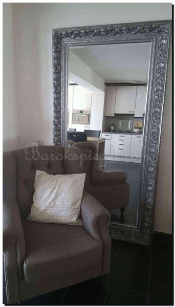 Tips voor het plaatsen van een grote staande spiegel op de for Grote zilveren spiegel