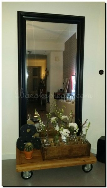 Spiegels in woonkamer - Grote spiegel kleefstof ...