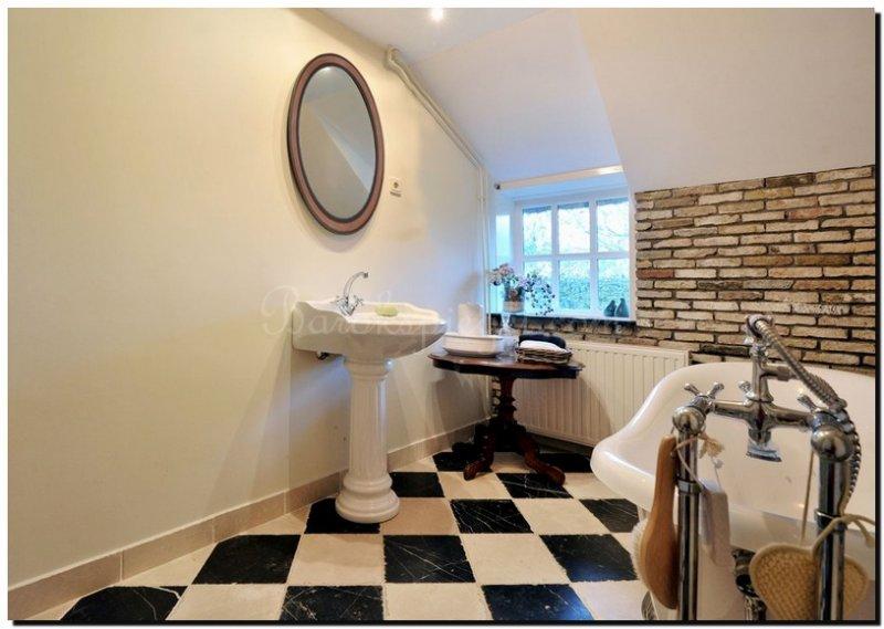 20x binnenkijken bij prachtige badkamers met de mooiste spiegels ...
