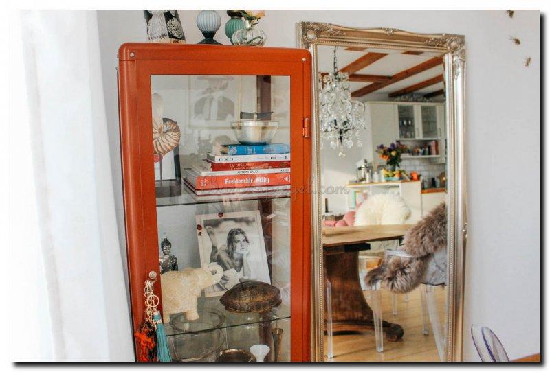 Binnenkijken bij floortje een barok spiegel in een klein for Barok spiegel groot
