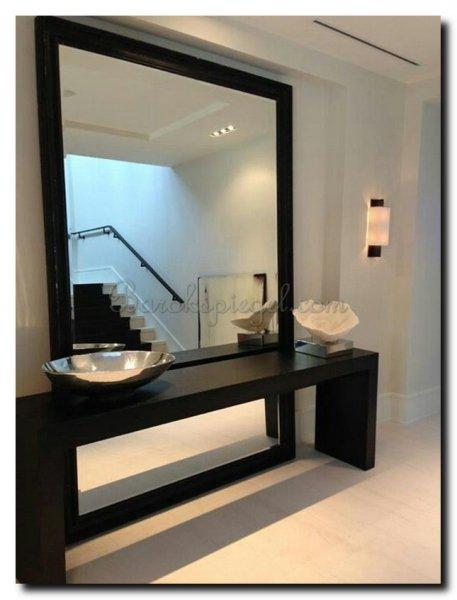 Grote zwarte spiegel als woonaccessoire barokspiegel for Spiegel zwarte lijst