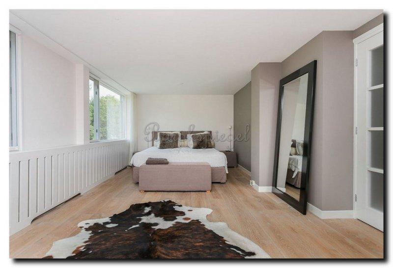Slaapkamer Zwarte Vloer : Een spiegel voor uw slaapkamer barokspiegel