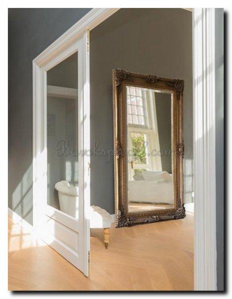 Spiegels de tien mooiste spiegels voor mannen barokspiegel for Design spiegels woonkamer