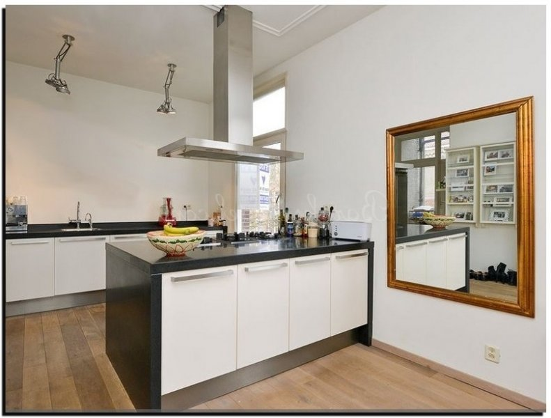 Een spiegel in de keuken met nieuwe decoratie tips en foto 39 s - Geloof spiegel keuken ...