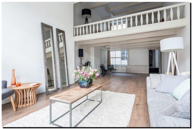 Woonkamer schouw steigerhout - Deco grote woonkamer ...