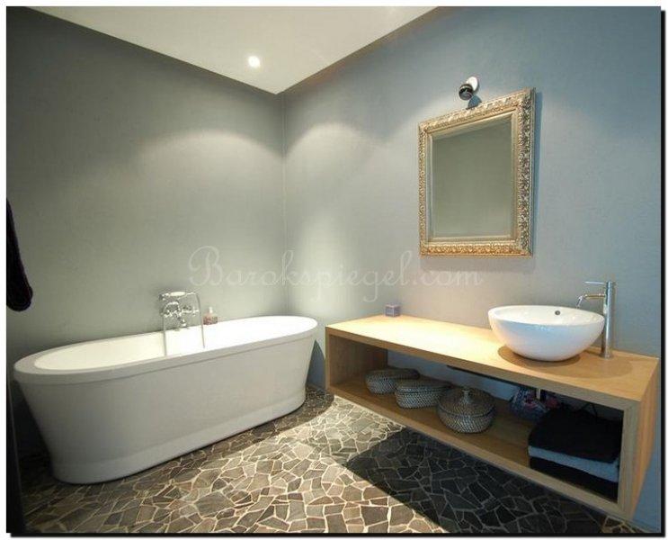 Binnenkijken bij prachtige badkamers met de mooiste spiegels